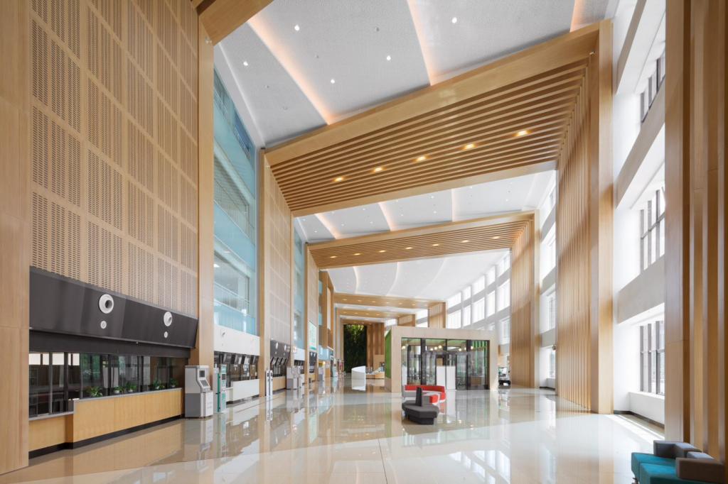 Tangshan Hospital's main lobby with acoustic treatments